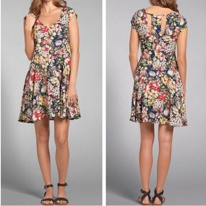 Abercrombie & Fitch Floral Cut Out Dress XS ::PP22